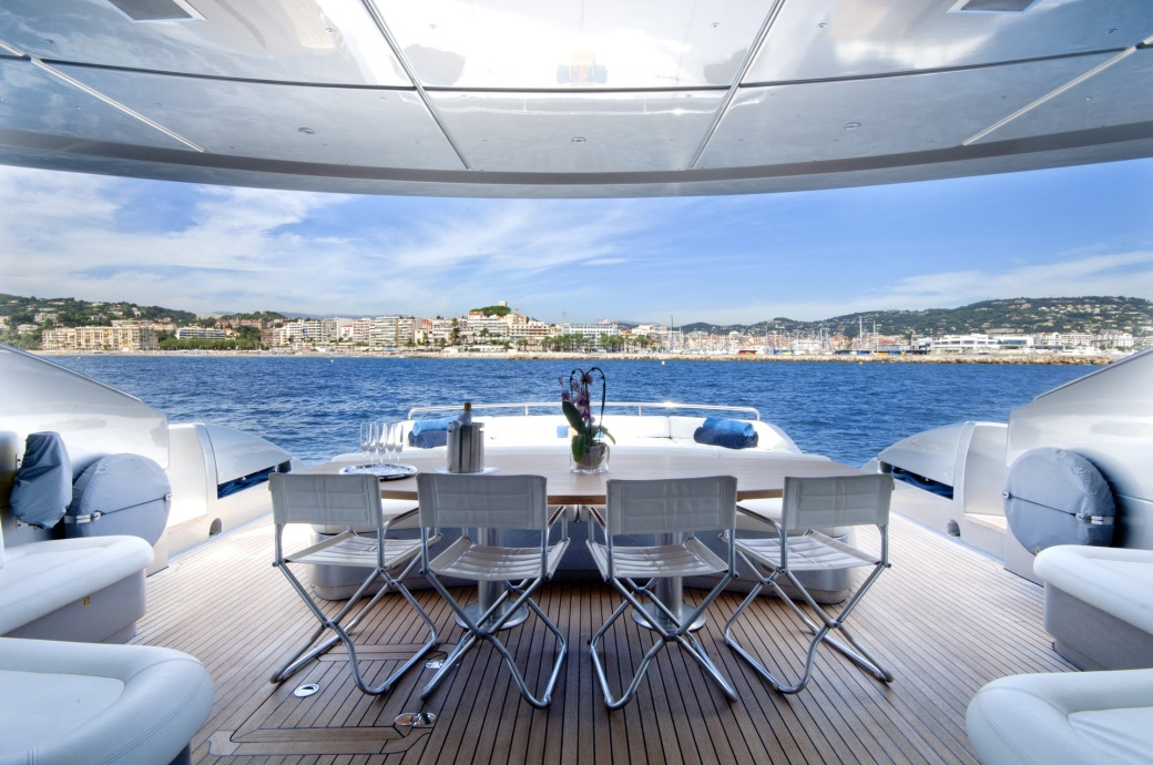Aft deck on Pershing 115 yacht MISTRAL 55