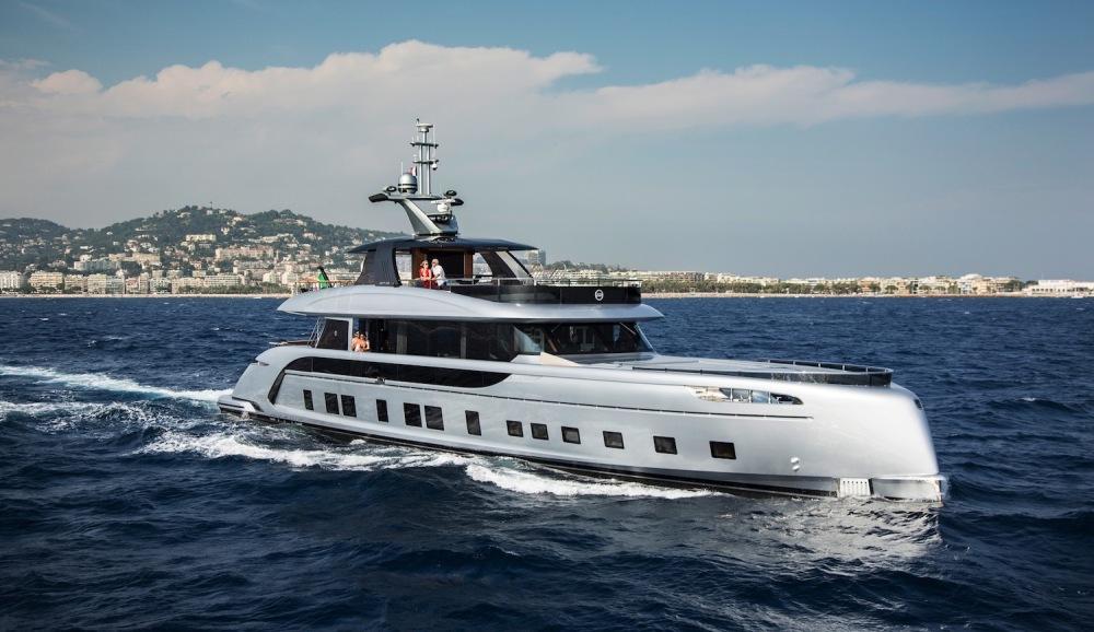 orsche and Dynamiq GTT 115 yacht